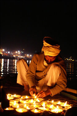 Ganges-River-Candles