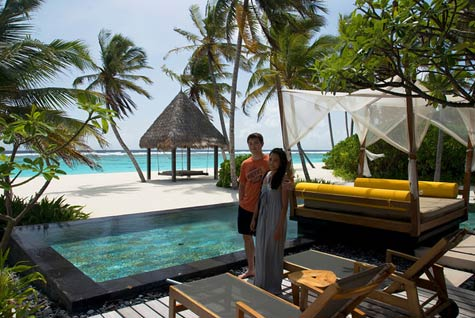 One-and-Only-Reethi-Rah-Maldives-tour-grand-villa