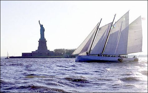 Schooner_adirondack_new_york_city_sailboat