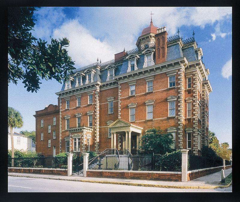 Wentworth Mansion large pixels exterior