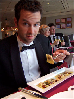 Waiter_80days