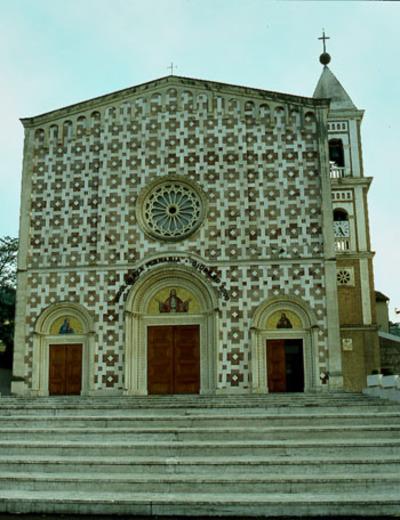 Abm102_image_3_front_of_santuary