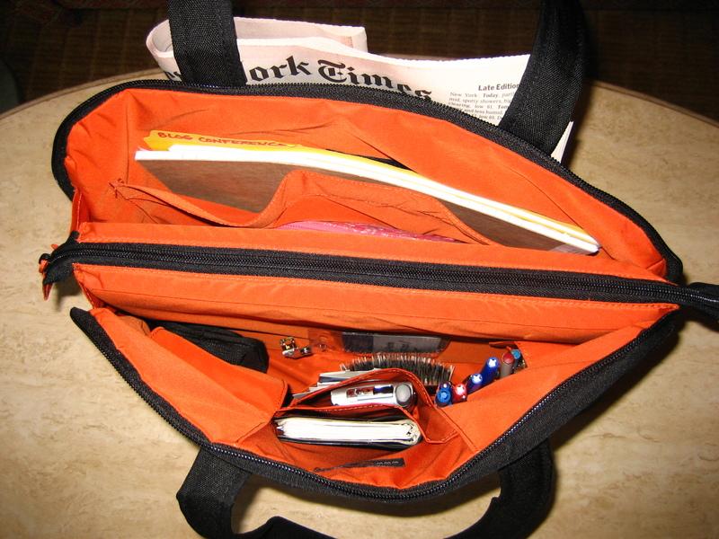 Lowepro_laptop_bag_interior