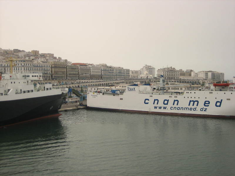 Blogger Wendy Perrin posts from the port of Algiers and keeps readers guessing as to her exact location on the ship.