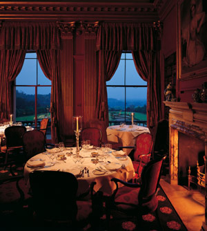 Clivedens_terrace_dining_room_2